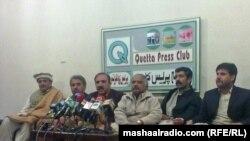د بلوچستان بار اتحادیې مشر بازمحمد کاکړ خبري غونډې ته وینا کوي