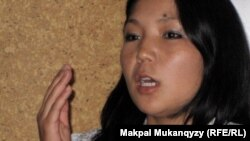 «Рух пен тіл» клубының белсендісі Инга Иманбай. Алматы, 18 тамыз 2011 жыл.