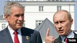 جرج بوش و ولادیمیر پوتین احتمالا در مورد تصویب قطعنامه ای جدید توسط شورای امنیت برای افزایش تحریم ها علیه ایران بحث خواهند کرد.