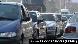 По новым законам, грузинским водителям придется раскошеливаться или водить автомобиль по правилам