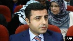 Кандидатот на претседателските избори во Турција, прокурдскиот лидер Селахатин Демиртас, Анкара, 2015.