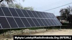 Солнечная батарея в селе Кучеров Яр в Донецкой области