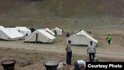 Хаймаҳои сокинони селзадаи Шуғнон (11 АКС)
