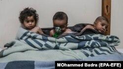 Дети, пострадавшие во время одной из предполагаемых химических атак в Восточной Гуте, Сирия, 25 февраля 2018 года