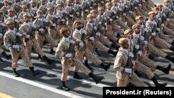 Іранскія вайскоўцы на парадзе ў Дзень нацыянальнай арміі. Тэгеран, 22 верасьня 2019