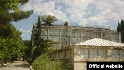 Nəbatat Bağının ümumilikdə 75 hektar ərazisinə cəmi 70 nəfər qulluq edir