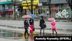 Дождь в Симферополе, иллюстрационное фото