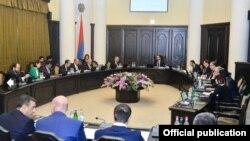 Հայաստանի կառավարության նիստը վարում է փոխվարչապետ Տիգրան Ավինյանը
