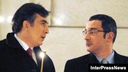 Ладо Гургенидзе (справа) отправили на очередное «святое дело»: борьбу с финансовым кризисом