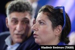 Российский режиссер Тигран Кеосаян и его жена Маргарита Симоньян, главный редактор телеканала RT.
