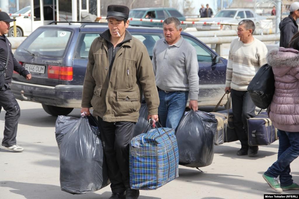 ЕАЭС: Трудоустроиться мигрантам стало проще