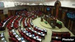 25 ноября в парламенте Армении прошли слушания по присоединению страны к Евразийскому экономическому союзу