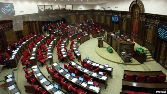 Armenia - Pro-government deputies boycott an extraordinary parliament debate initiated by the opposition minority, Yerevan, 30Sep2014.