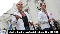 Брати Капранови покарали нечесних політиків за козацьким звичаєм, Київ, 30 серпня 2012 року