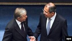 Сергею Лаврову (на снимке с президентом ПАСЕ ван дер Линденом) понравилось руководить кусочком Европы