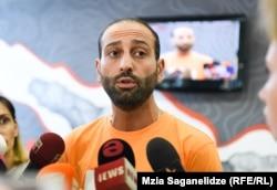 Нодар Меладзе заявил, что попытки оказать на него давление в условиях нового руководства предпринимались несколько раз