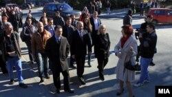 Премиерот Никола Груевски и градоначалникот на Скопје Коце Трајановски, на пуштањето во употреба на втората делница од реконструираната улица Козле во Скопје.