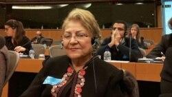 آخرین گفتوگوی گیتی پورفاضل از امضاکنندگان نامه برکناری خامنهای