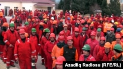 Azerbaijan -- strike by employees of Bos Shelf in Baku, 18Mar2013