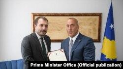 Kryeministri i Kosovës, Ramush Haradinaj, dhe ministri i Inovacionit, Muzafer Shala.