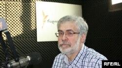 Tbilisidəki İlya Dövlət Universitetinin professoru Gia Nodia