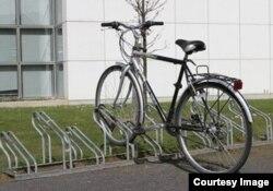 Президент Латвии любит ездить на работу на велосипеде