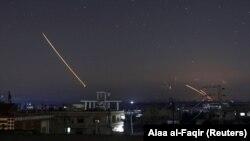 Дамасктын үстүнөн көрүнгөн ракеталар. 10-май, 2018-жыл.