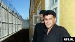 Правозащитники рассматривают около 100 дел о пытках в год