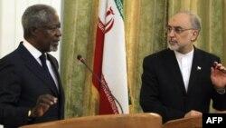 I dërguari ndërkombëtar për konfliktin në Siri, Kofi Anan dhe ministri i Jashtëm iranian, Ali Akbar Salehi, Teheran, 10 korrik 2012