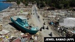 Последствия землетрясения и цунами в Палу, Индонезия. 1 октября 2018 года.