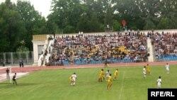 Көчөдө калгандар арасында көчө футболу боюнча дүйнөлүк биринчилигине Кыргызстан үчүнчү ирээт катышууда.