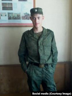 Дмитрий Перевезенцев в части в день присяги