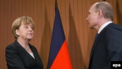 German Chancellor Angela Merkel (left) and Russian President Vladimir Putin (file photo)