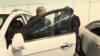 Шавкат Мирзиёев Алмазбек Атамбаевга дам олиш кунлари Chevrolet Malibu автомобилини ҳайдашиниайтган эди.