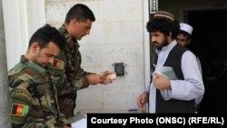 توزیع کمک نقدی حکومت افغانستان به زندانیان رها شده گروه طالبان