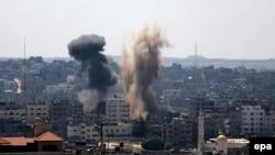 Pamje nga sulmet ajrore izraelite në Rripin e Gazës