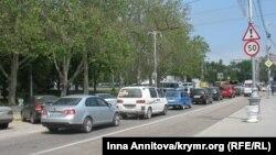 Автомобілі на проспекті Нахімова в Севастополі