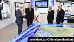 Prezident İ.Əliyev sərgi ilə tanış olub