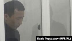 Асет Нуржаубай выступает с последним словом в суде. Алматы, 2 октября 2018 года.