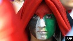 یکی از تظاهرکنندگان طرفدار فلسطین در استراسبورگ فرانسه