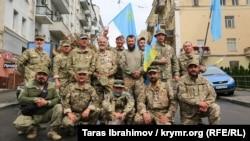 Джемилев, ветераны и переселенцы: крымчане прошлись отдельной колонной на марше в Киеве (фотогалерея)