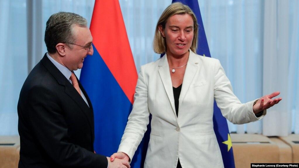 Евросоюз поддерживает и с особым вниманием следит за судебными реформами в Армении