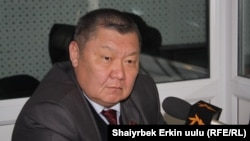 Суратда: Қирғизистон республикаси Чегара хизмати бошлиғи Токон Мамитов.