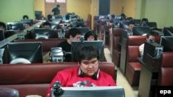 Интернет-кафе в Китае. Именно требования Китая вынудили интернет-гигантов вырабатывать кодекс сетевого поведения