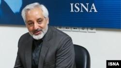 مشاور ارشد حسن روحانی میگوید که درخواست محمود احمدینژاد برای مناظره، «زمینهسازی برای فاصله گرفتن از واقعیتها» است.