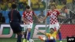 В первом матче ЧМ-2014 встретились сборные Бразилии и Хорватии