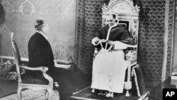 Пій XII прымае адмысловага амбасадара ЗША Мірона Тэйлара, які даставіў ліст ад прэзыдэнта ЗША Франкліна Рузвэльта, 27 лютага 1940