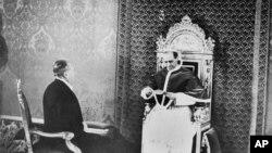 "Papa Pius al XII-lea, ""Vicarul"" și dezinformarea KGB"