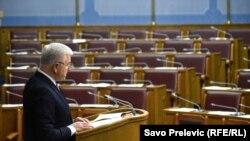 Premijer Duško Marković obraća se na sjednici Skupštine Crne Gore kojoj ne prisustvuju poslanici iz reda opozicije, 29. mart 2017.
