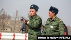 Қазақ-қырғыз шекарасындағы сарбаздар. (Көрнекі сурет)